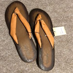 Sonoma flip flops